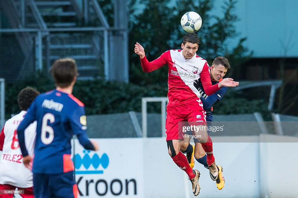 Chris Kum of FC Utrecht, Santiago Arias of PSV during the Dutch Eredivisie match between FC Utrecht and PSV Eindhoven at the Galgenwaard Stadium on February 07, 2016 in Utrecht, The Netherlands