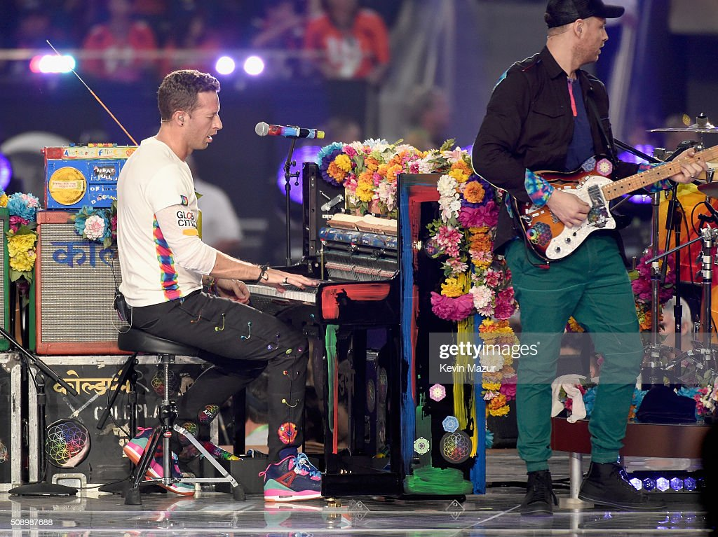 <a gi-track='captionPersonalityLinkClicked' href=/galleries/search?phrase=Chris+Martin+-+Musician&family=editorial&specificpeople=4468181 ng-click='$event.stopPropagation()'>Chris Martin</a> and <a gi-track='captionPersonalityLinkClicked' href=/galleries/search?phrase=Jonny+Buckland&family=editorial&specificpeople=235773 ng-click='$event.stopPropagation()'>Jonny Buckland</a> of Coldplay performs onstage during the Pepsi Super Bowl 50 Halftime Show at Levi's Stadium on February 7, 2016 in Santa Clara, California.