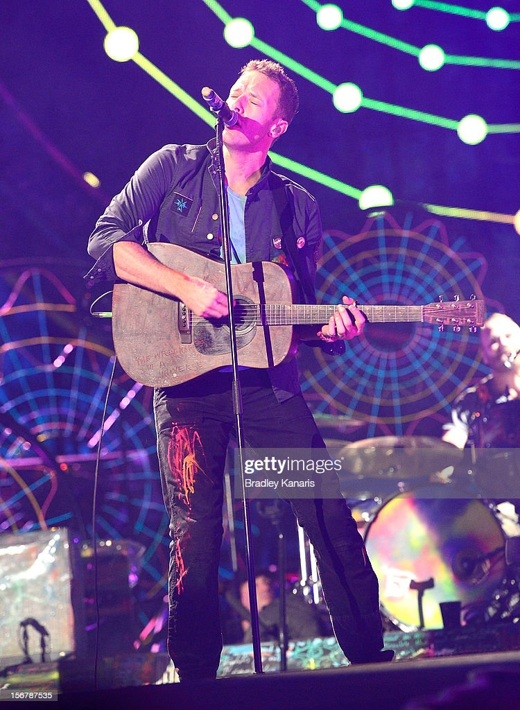 Chris Martin of <a gi-track='captionPersonalityLinkClicked' href=/galleries/search?phrase=Coldplay&family=editorial&specificpeople=228782 ng-click='$event.stopPropagation()'>Coldplay</a> perform live for fans at Suncorp Stadium on November 21, 2012 in Brisbane, Australia.