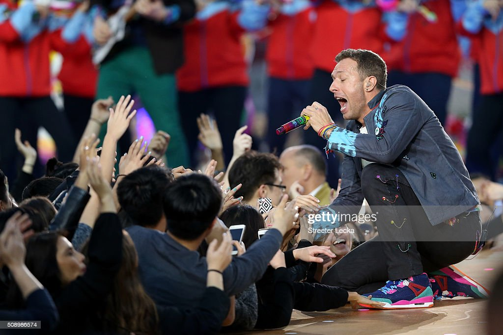 <a gi-track='captionPersonalityLinkClicked' href=/galleries/search?phrase=Chris+Martin+-+Musician&family=editorial&specificpeople=4468181 ng-click='$event.stopPropagation()'>Chris Martin</a> of Coldplay performs during the Pepsi Super Bowl 50 Halftime Show at Levi's Stadium on February 7, 2016 in Santa Clara, California.