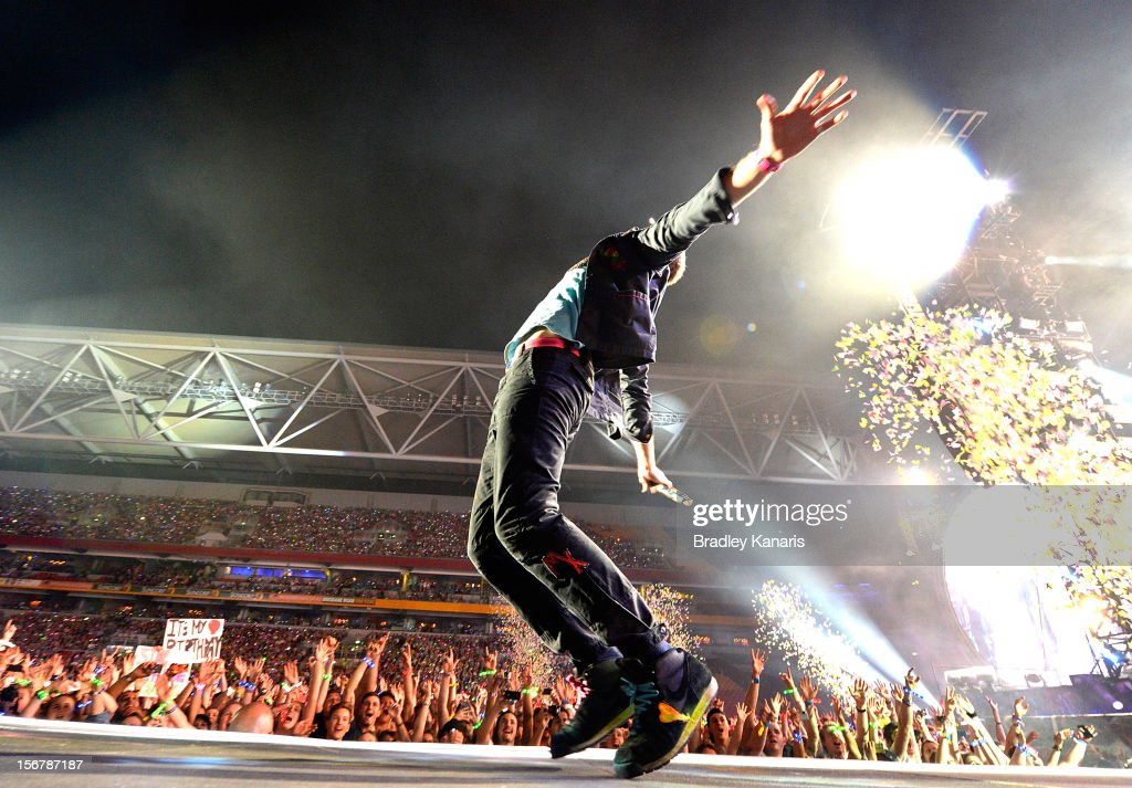 Chris Martin of <a gi-track='captionPersonalityLinkClicked' href=/galleries/search?phrase=Coldplay&family=editorial&specificpeople=228782 ng-click='$event.stopPropagation()'>Coldplay</a> performs live for fans at Suncorp Stadium on November 21, 2012 in Brisbane, Australia.