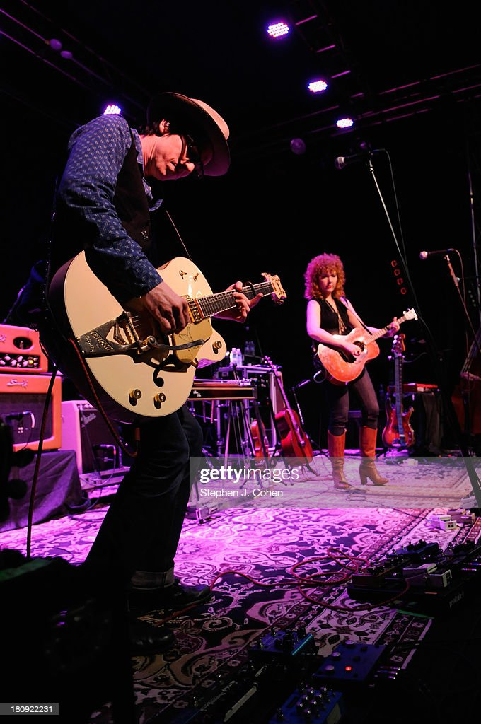 Chris Masterson and Eleanor Whitmore performs at the Headliners Music Hall on September 17, 2013 in Louisville, Kentucky.