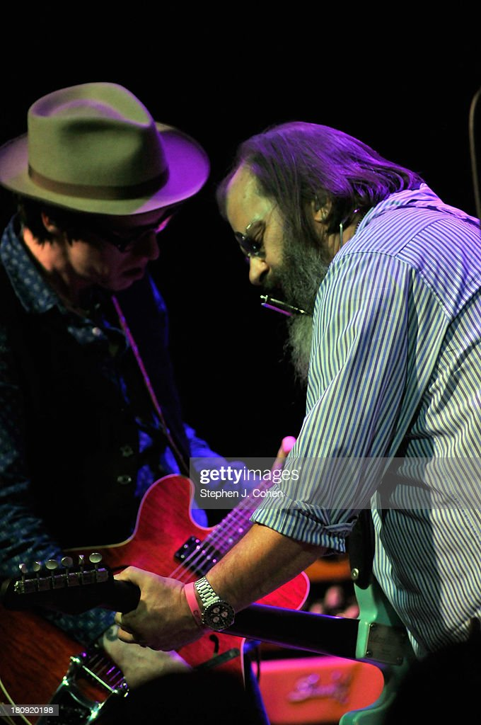 Chris Masterson and <a gi-track='captionPersonalityLinkClicked' href=/galleries/search?phrase=Steve+Earle&family=editorial&specificpeople=214591 ng-click='$event.stopPropagation()'>Steve Earle</a> performs at the Headliners Music Hall on September 17, 2013 in Louisville, Kentucky.