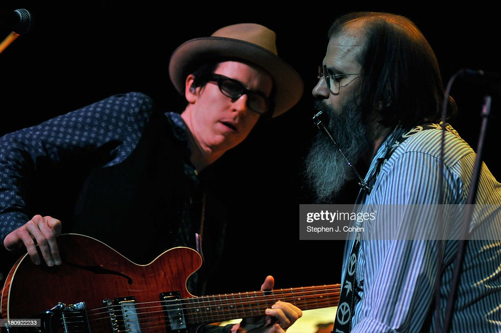 Chris Masterson and Steve Earle performs at the Headliners Music Hall on September 17, 2013 in Louisville, Kentucky.