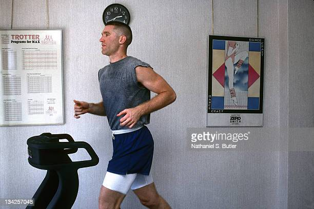 Chris Mullin of the United States Senior Mens National Team runs on a treadmill during the 1992 Olympics circa 1992 in Barcelona Spain NOTE TO USER...