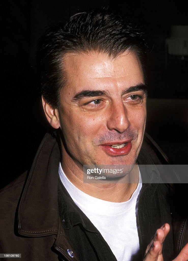 Chris Noth during Vera Wang Fall 2000 Fashion Show at Vera Wang Showroom in New York - chris-noth-during-vera-wang-fall-2000-fashion-show-at-vera-wang-in-picture-id156109780