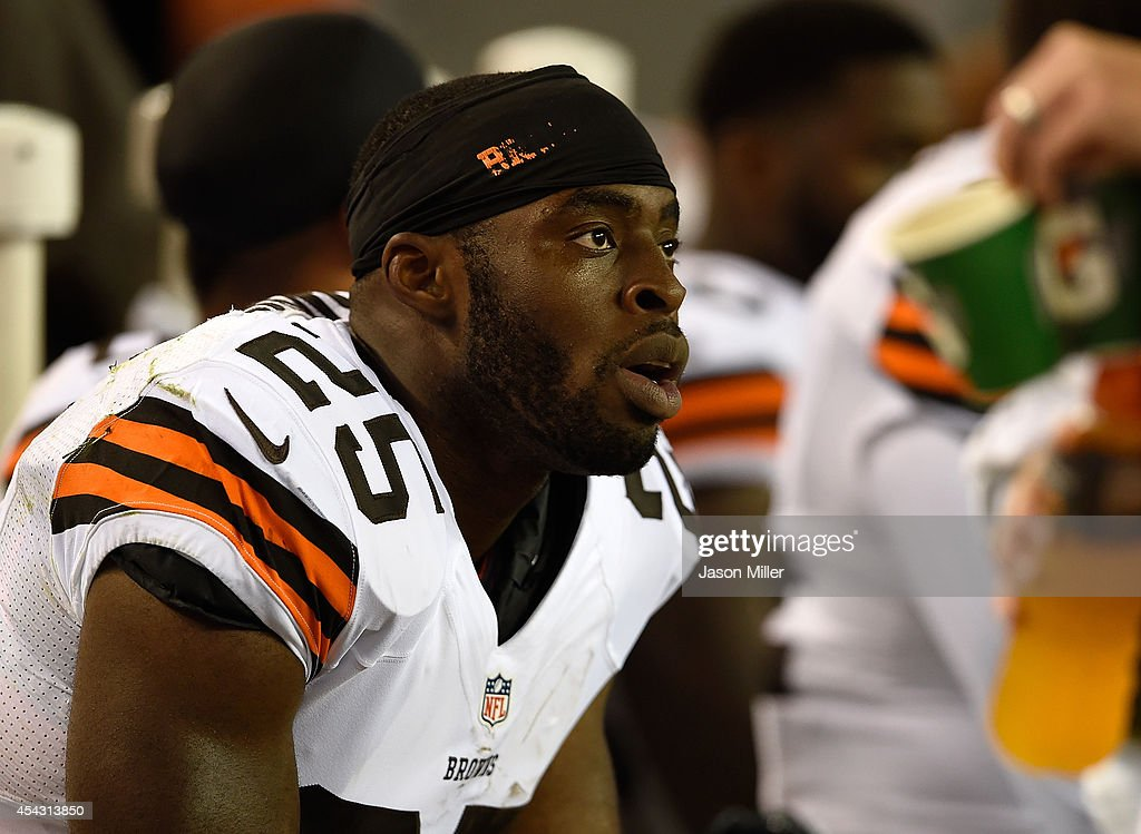 <a gi-track='captionPersonalityLinkClicked' href=/galleries/search?phrase=Chris+Ogbonnaya&family=editorial&specificpeople=2168653 ng-click='$event.stopPropagation()'>Chris Ogbonnaya</a> #25 of the Cleveland Browns looks on during the third quarter against the Chicago Bears at FirstEnergy Stadium on August 28, 2014 in Cleveland, Ohio.