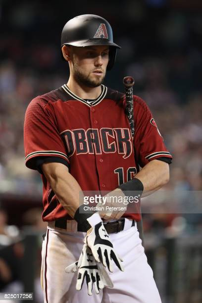 Chris Owings of the Arizona Diamondbacks ondeck during the MLB game against the Cincinnati Reds at Chase Field on July 9 2017 in Phoenix Arizona The...