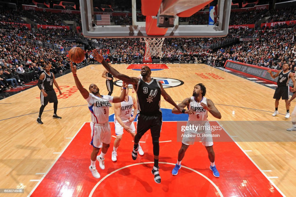 Chris Paul #3 of the LA Clippers shoots the ball against the San Antonio Spurs on February 24, 2017 at STAPLES Center in Los Angeles, California.