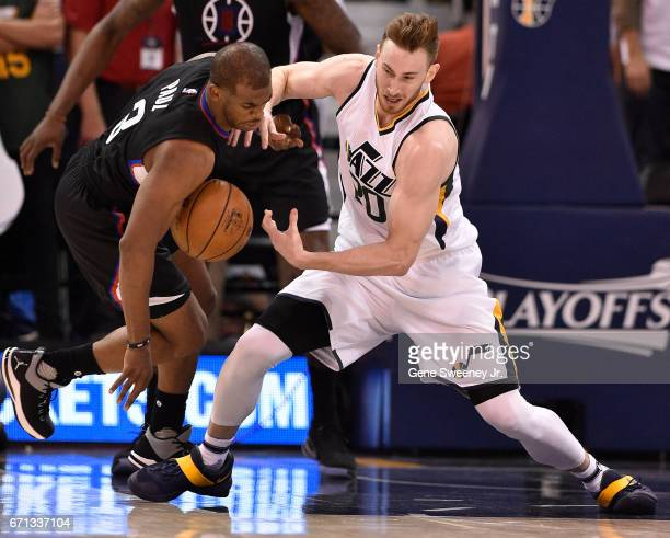 Chris Paul of the Los Angeles Clippers and Gordon Hayward of the Utah Jazz try for the loose ball in the second half of the 111106 Clipper victory in...