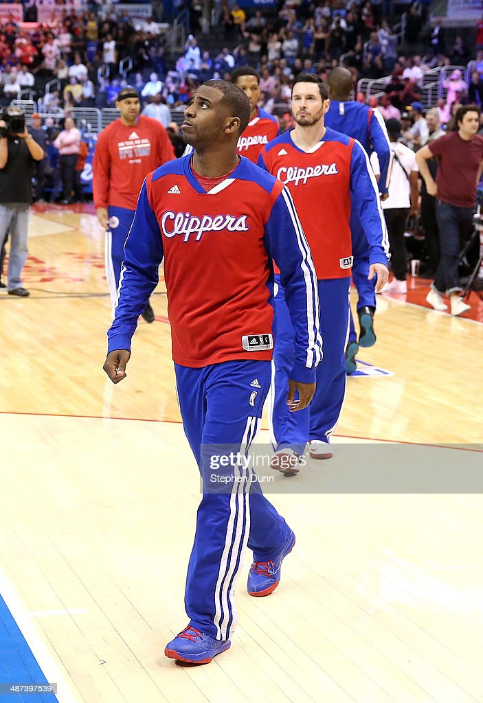 <a gi-track='captionPersonalityLinkClicked' href=/galleries/search?phrase=Chris+Paul&family=editorial&specificpeople=212762 ng-click='$event.stopPropagation()'>Chris Paul</a> #3 of the Los Angeles Clippers and teammates warm up before playing the Golden State Warriors in Game Five of the Western Conference Quarterfinals during the 2014 NBA Playoffs at Staples Center on April 29, 2014 in Los Angeles, California. The Clippers won 113-103.
