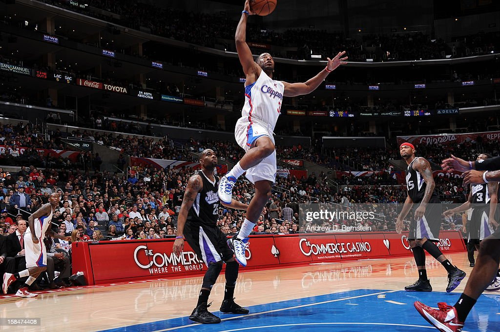 <a gi-track='captionPersonalityLinkClicked' href=/galleries/search?phrase=Chris+Paul&family=editorial&specificpeople=212762 ng-click='$event.stopPropagation()'>Chris Paul</a> #3 of the Los Angeles Clippers drives to the basket against the Sacramento Kings at Staples Center on December 1, 2012 in Los Angeles, California.