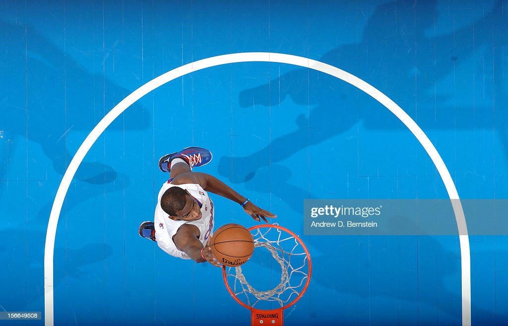 <a gi-track='captionPersonalityLinkClicked' href=/galleries/search?phrase=Chris+Paul&family=editorial&specificpeople=212762 ng-click='$event.stopPropagation()'>Chris Paul</a> #3 of the Los Angeles Clippers goes up for a shot against the Chicago Bulls at Staples Center on November 17, 2012 in Los Angeles, California.