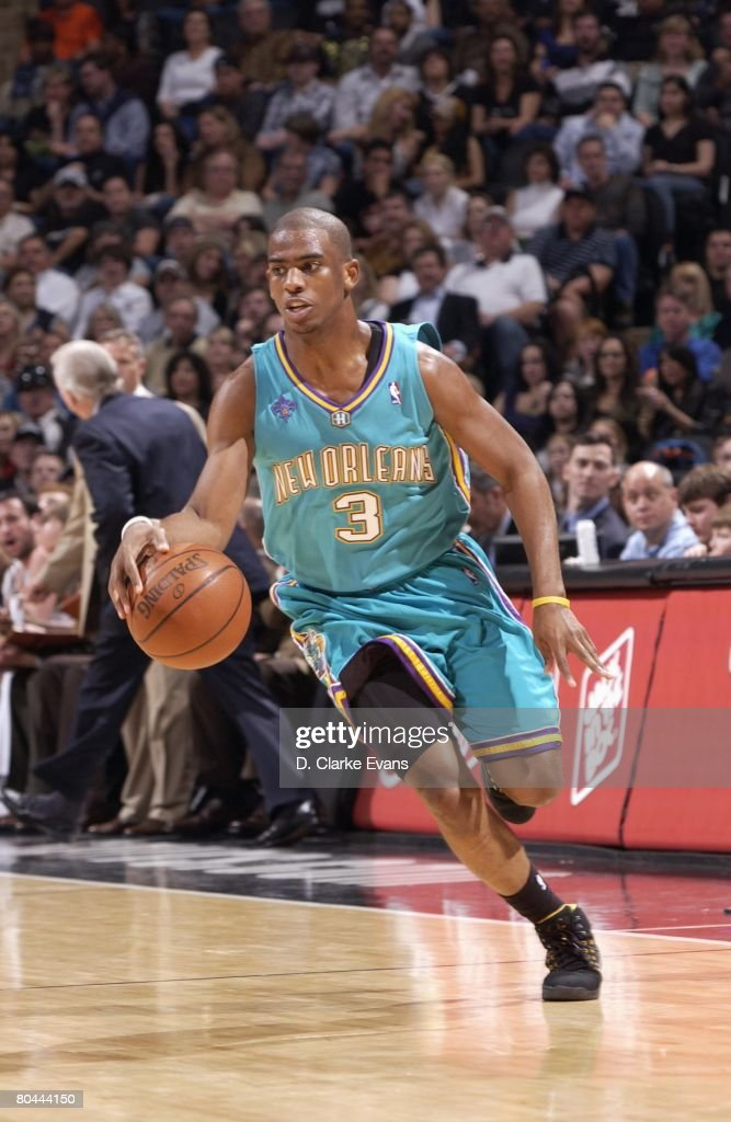 New Orleans Hornets v San Antonio Spurs : News Photo