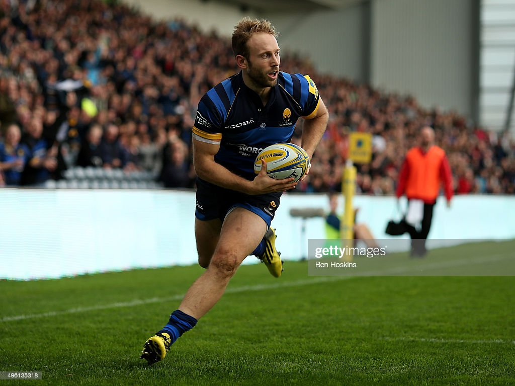 Chris Pennell of Worcester runs in a try during the Aviva Premiership match between Worcester Warriors and Newcastle Falcons at Sixways Stadium on...