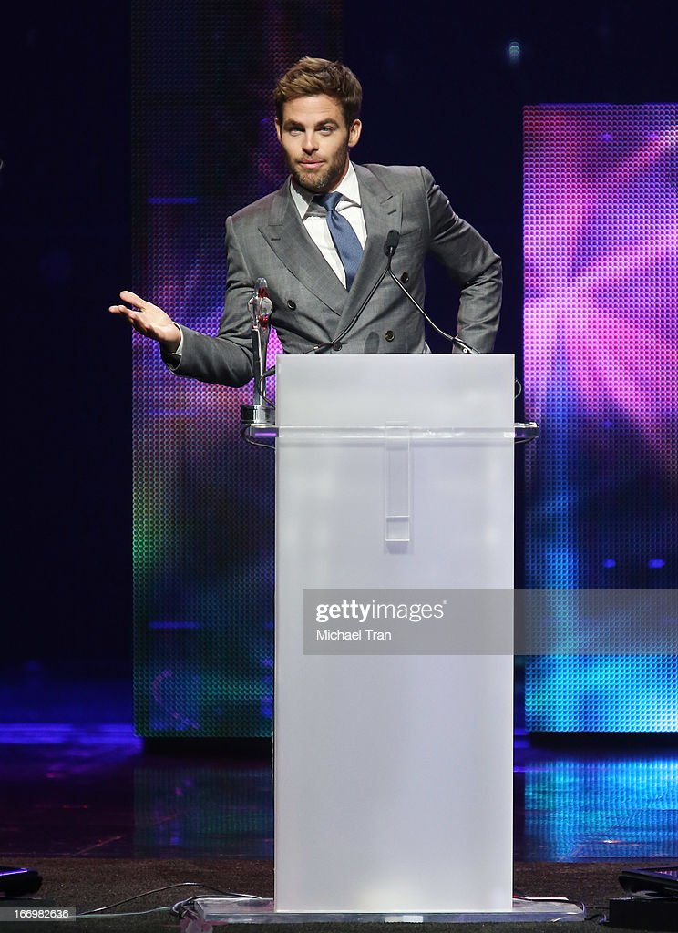 <a gi-track='captionPersonalityLinkClicked' href=/galleries/search?phrase=Chris+Pine&family=editorial&specificpeople=641995 ng-click='$event.stopPropagation()'>Chris Pine</a> accepts the award for 'Male Star of the Year' at the CinemaCon 2013 Big Screen Achievement Awards held at Caesars Palace during CinemaCon, the official convention of the National Association of Theatre Owners on April 18, 2013 in Las Vegas, Nevada.