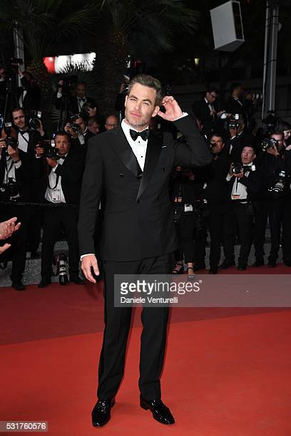 Chris Pine attend the 'Hands Of Stone' premiere during the 69th annual Cannes Film Festival at the Palais des Festivals on May 16 2016 in Cannes