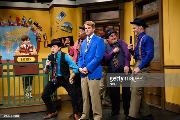 LIVE 'Chris Pine' Episode 1723 Pictured Alex Moffat and Kenan Thompson as doo wop singers Mikey Day as Acme's senior agent Bobby Moynihan and Chris...