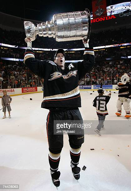 Chris Pronger of the Anaheim Ducks hoists the Stanley Cup after his team's victory over the Ottawa Senators during Game Five of the n June 6 2007 at...