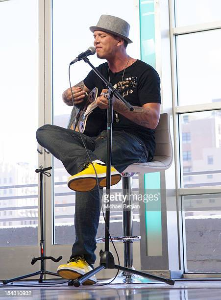 Chris Rene performs at 'What's Trending' on October 17 2012 in Hollywood California