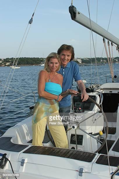 Chris Roberts Ehefrau Claudia Roberts Urlaub Puerto Colom/Mallorca/Spanien Boot Motorboot Meer Balearen Sänger Sängerin Ehemann Familie...