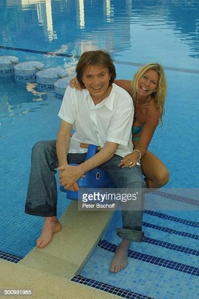 Chris Roberts Ehefrau Claudia Roberts Urlaub Puerto Colom/Mallorca/Spanien Balearen Appartment Pool Sänger Sängerin Ehemann Familie Schlagersänger...