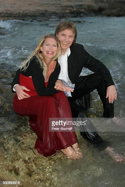 Chris Roberts Ehefrau Claudia Roberts Urlaub Strand Es Trenc/Mallorca/Spanien Balearen Meer Mittelmeer Abendgarderobe Smoking Abendkleid Sänger...