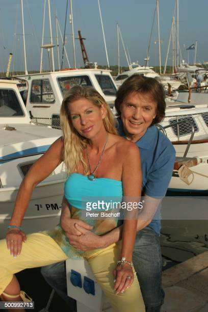 Chris Roberts Ehefrau Claudia Roberts Urlaub Umarmung Puerto Colom/Mallorca/Spanien Balearen Boote Anleger Hafen Sänger Sängerin Ehemann Familie...