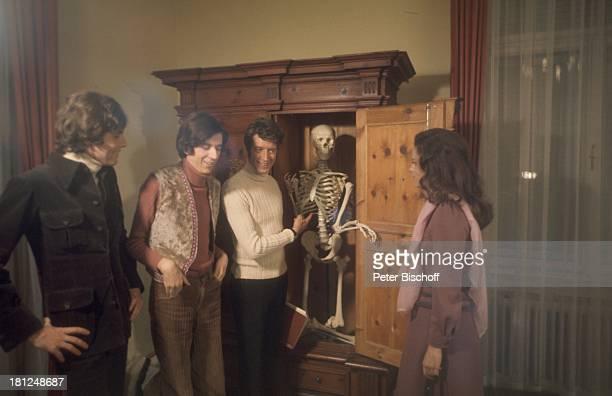 Chris Roberts Ilja Richter Rudi Carrell Mascha Gonska Kinofilm 'Tante Trude aus Buxtehude' Kitzbühel sterreich Skelett im Schrank