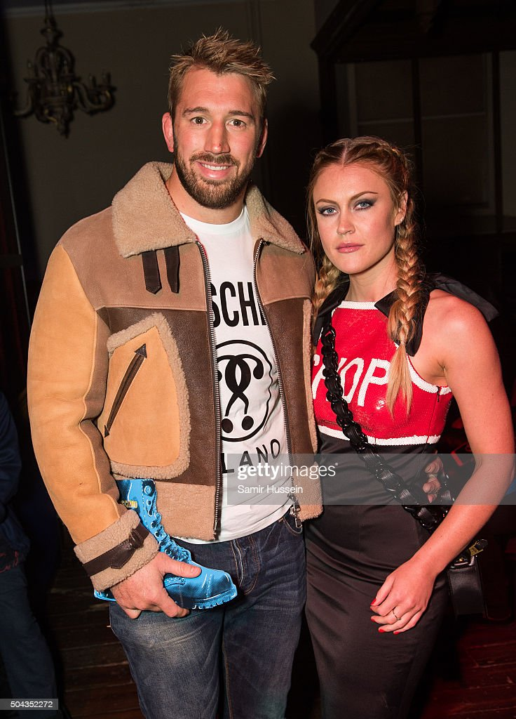 <a gi-track='captionPersonalityLinkClicked' href=/galleries/search?phrase=Chris+Robshaw&family=editorial&specificpeople=2375303 ng-click='$event.stopPropagation()'>Chris Robshaw</a> and <a gi-track='captionPersonalityLinkClicked' href=/galleries/search?phrase=Camilla+Kerslake&family=editorial&specificpeople=6350983 ng-click='$event.stopPropagation()'>Camilla Kerslake</a> attend the Moschino show during The London Collections Men AW16 on January 10, 2016 in London, England.