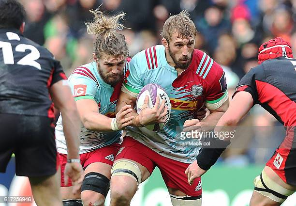 Chris Robshaw of Harlequins drives forward with the ball during the European Rugby Challenge Cup match between Edinburgh and Harlequins at...