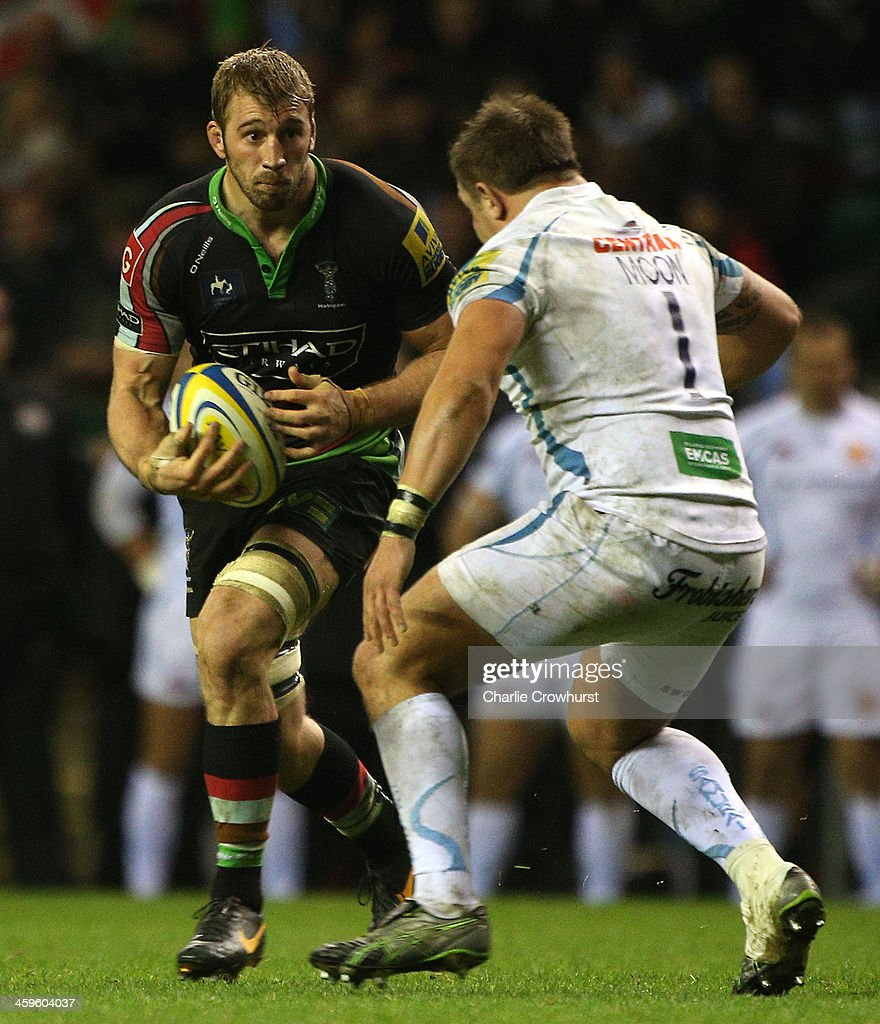 Chris Robshaw of Harlequins looks to attacks during the Aviva Premiership match between Harlequins and Exeter Chiefs at Twickenham Stadium on December 28, 2013 in London, England.