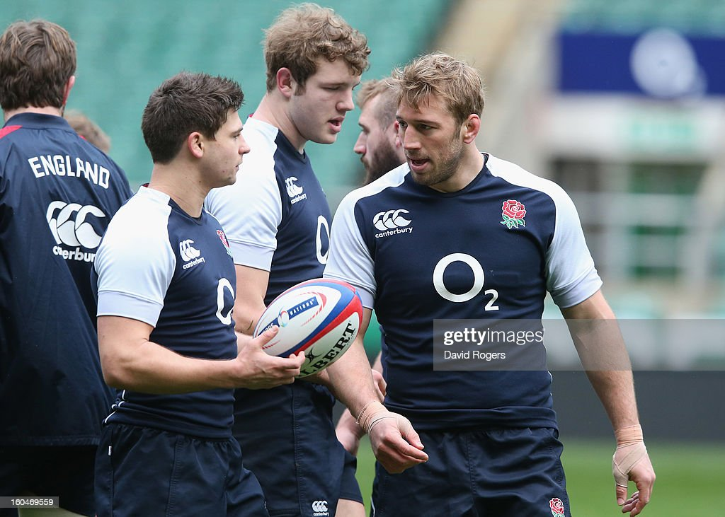 <a gi-track='captionPersonalityLinkClicked' href=/galleries/search?phrase=Chris+Robshaw&family=editorial&specificpeople=2375303 ng-click='$event.stopPropagation()'>Chris Robshaw</a> (R) talks to scrumhalf <a gi-track='captionPersonalityLinkClicked' href=/galleries/search?phrase=Ben+Youngs&family=editorial&specificpeople=3970947 ng-click='$event.stopPropagation()'>Ben Youngs</a> during the England captain's run at Twickenham Stadium on February 1, 2013 in London, England.