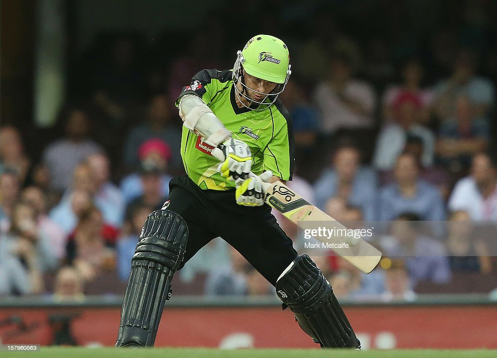 Chris Rogers of the Thunder bats during the Big Bash League match between the Sydney Sixers and the Sydney Thunder at Sydney Cricket Ground on December 8, 2012 in Sydney, Australia.