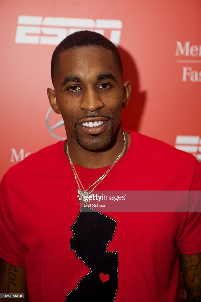 <a gi-track='captionPersonalityLinkClicked' href=/galleries/search?phrase=Chris+Smith+-+Basketball+Player&family=editorial&specificpeople=1453753 ng-click='$event.stopPropagation()'>Chris Smith</a> attends ESPN Fashion Week - Revenge of the Jocks at The Box at Lincoln Center on September 10, 2013 in New York City.