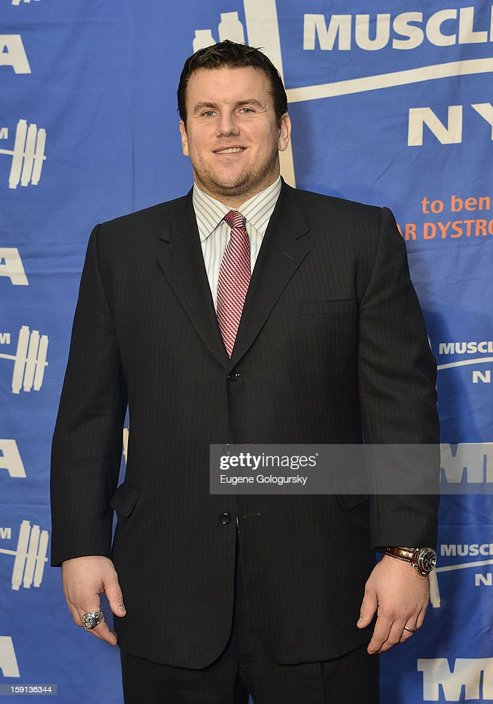 <a gi-track='captionPersonalityLinkClicked' href=/galleries/search?phrase=Chris+Snee&family=editorial&specificpeople=748742 ng-click='$event.stopPropagation()'>Chris Snee</a> attends the 16th annual Muscular Dystrophy Association Muscle Team Gala and Benefit Auction at Pier 60 on January 8, 2013 in New York City.