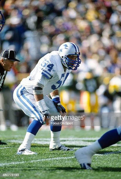 Chris Spielman of the Detroit Lions in action against the Green Bay Packers during an NFL football game October 29 1989 at Lambeau Field in Green Bay...