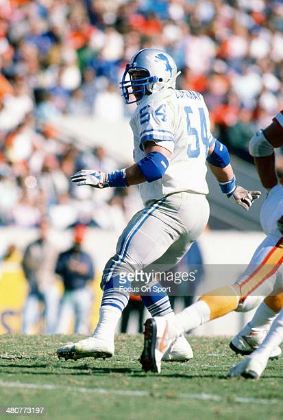 Chris Spielman of the Detroit Lions in action against the Tampa Bay Buccaneers during an NFL football game October 15 1989 at Tampa Stadium in Tampa...