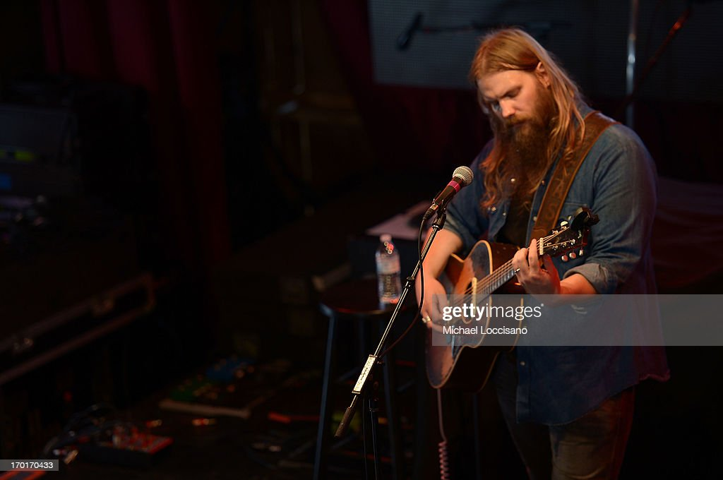 Chris Stapleton performs at HGTV'S The Lodge At CMA Music Fest - Day 3 on June 8, 2013 in Nashville, Tennessee.