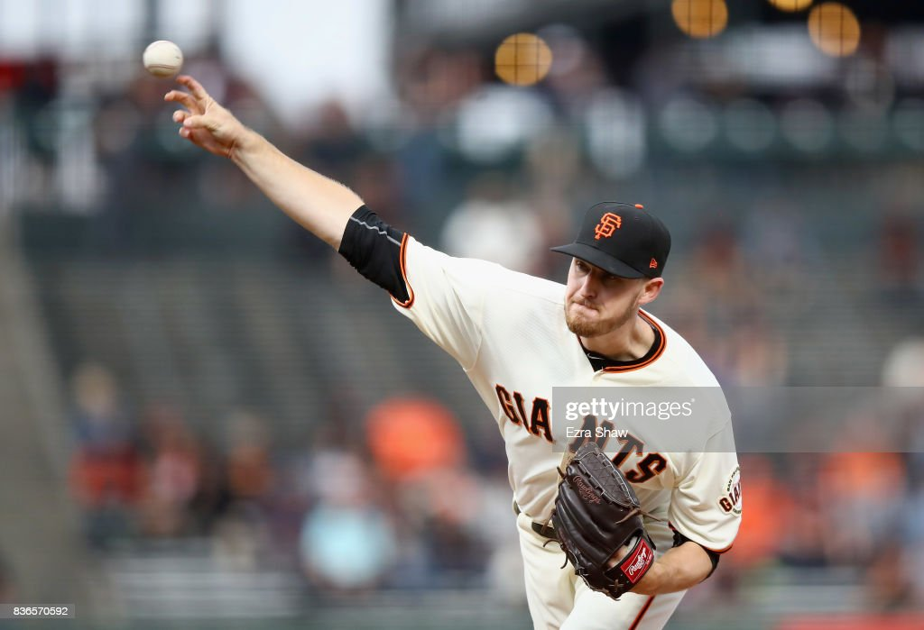 Chris Stratton #34 of the San Francisco Giants pitches against the Milwaukee Brewers in the first inning at AT&T Park on August 21, 2017 in San Francisco, California.
