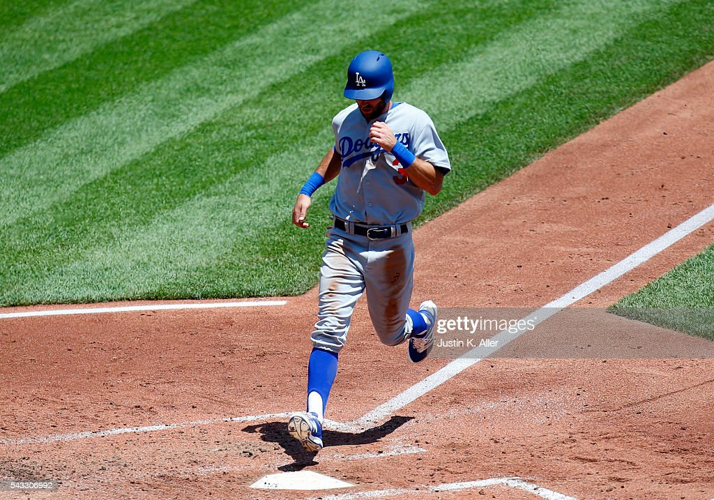 <a gi-track='captionPersonalityLinkClicked' href=/galleries/search?phrase=Chris+Taylor+-+Baseball+Player&family=editorial&specificpeople=13511734 ng-click='$event.stopPropagation()'>Chris Taylor</a> #3 of the Los Angeles Dodgers scores on a sacrifice fly during the game against the Pittsburgh Pirates at PNC Park on June 27, 2016 in Pittsburgh, Pennsylvania.