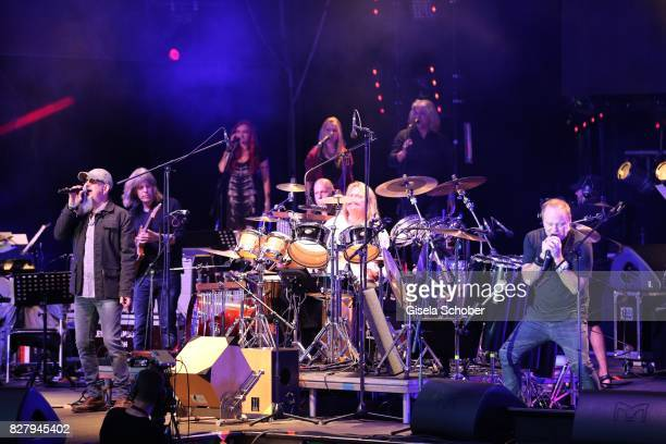 Chris Thompson Mike Stern Leslie Mandoki Nick van Eede and Man Doki Soulmates perform during the Sziget Festival at Budapest Park on August 8 2017 in...