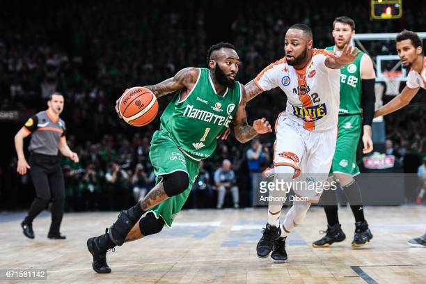 Chris Warren of Nanterre and Shannin Shorter of Le Mans during the Final of the French Cup between Le Mans and JSF Nanterre at AccorHotels Arena on...