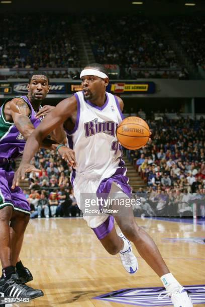 Chris Webber of the Sacramento Kings drives the ball against the Milwaukee Bucks November 21 at Arco Arena in Sacramento California NOTE TO USER User...