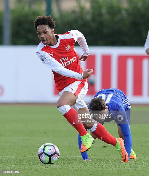 Chris Willock of Arsenal takes on Mason Mount of Chelsea during the match between Arsenal U23 and Chelsea U23 at London Colney on February 24 2017 in...