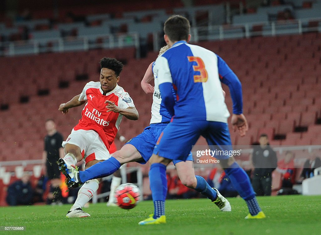 Chris Willock scores his and Arsenal's 2nd goal during the match between Arsenal U21 and Blackburn Rovers U21 at Emirates Stadium on May 3, 2016 in London, England.