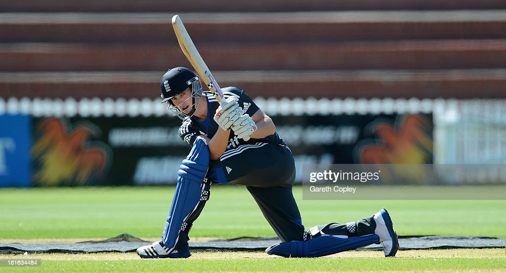 <a gi-track='captionPersonalityLinkClicked' href=/galleries/search?phrase=Chris+Woakes&family=editorial&specificpeople=4444585 ng-click='$event.stopPropagation()'>Chris Woakes</a> of England bats during a England nets session at Basin Reserve on February 14, 2013 in Wellington, New Zealand.