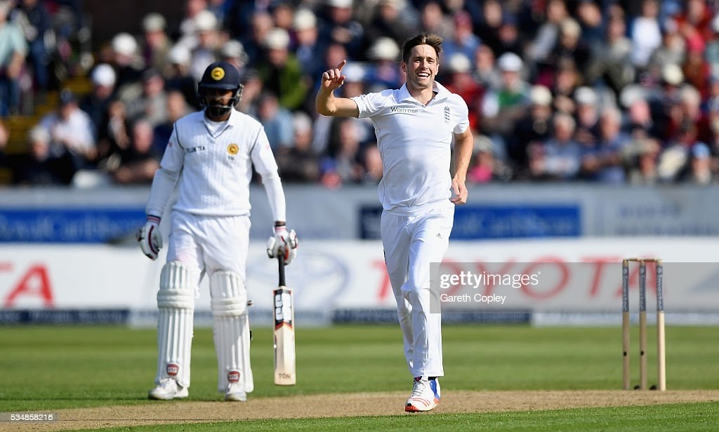 <a gi-track='captionPersonalityLinkClicked' href=/galleries/search?phrase=Chris+Woakes&family=editorial&specificpeople=4444585 ng-click='$event.stopPropagation()'>Chris Woakes</a> of England celebrates dismissing Milinda Siriwardana of Sri Lanka during day two of the 2nd Investec Test match between England and Sri Lanka at Emirates Durham ICG on May 28, 2016 in Chester-le-Street, United Kingdom.