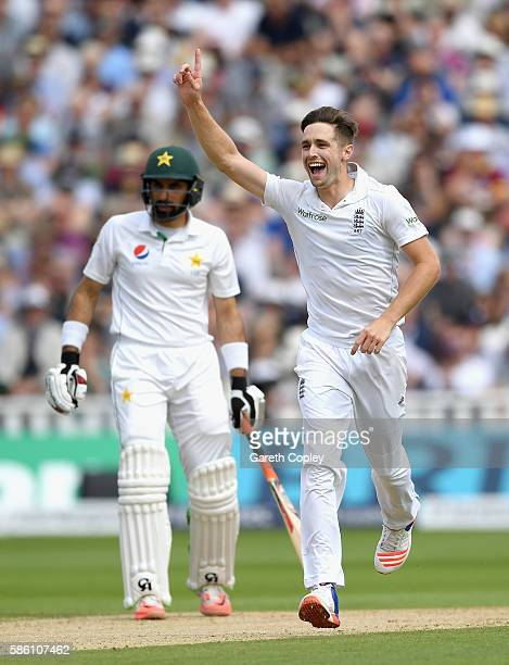 Chris Woakes of England celebrates dismissing Younis Khan of Pakistan during day three of the 3rd Investec Test between England and Pakistan at...
