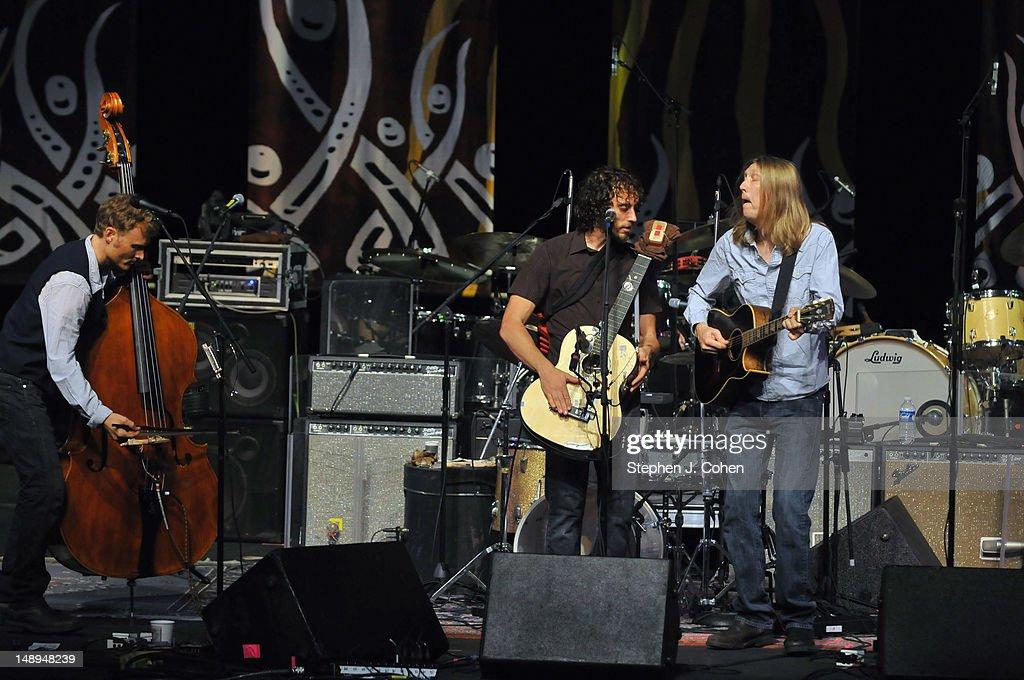 Tedeschi Trucks Band In Concert - Louisville, KY